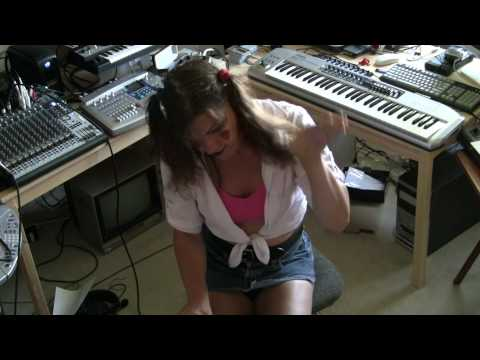 Stabbity Stabbity Stab Stab Stab (Chibi Sue's Song) mp3