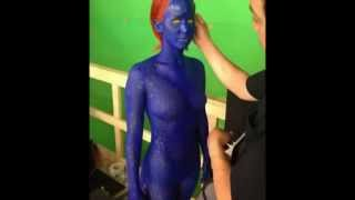 "ACTRESS Jennifer Lawrence Shows Off Her BODY in X-Men Sequel as ""MYSTIQUE"""