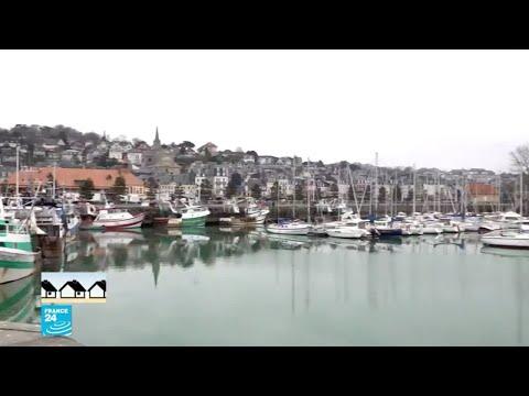 ميناء تروفيل.. صيانة قوارب الصيد بعد توقفها عن العمل  - نشر قبل 1 ساعة