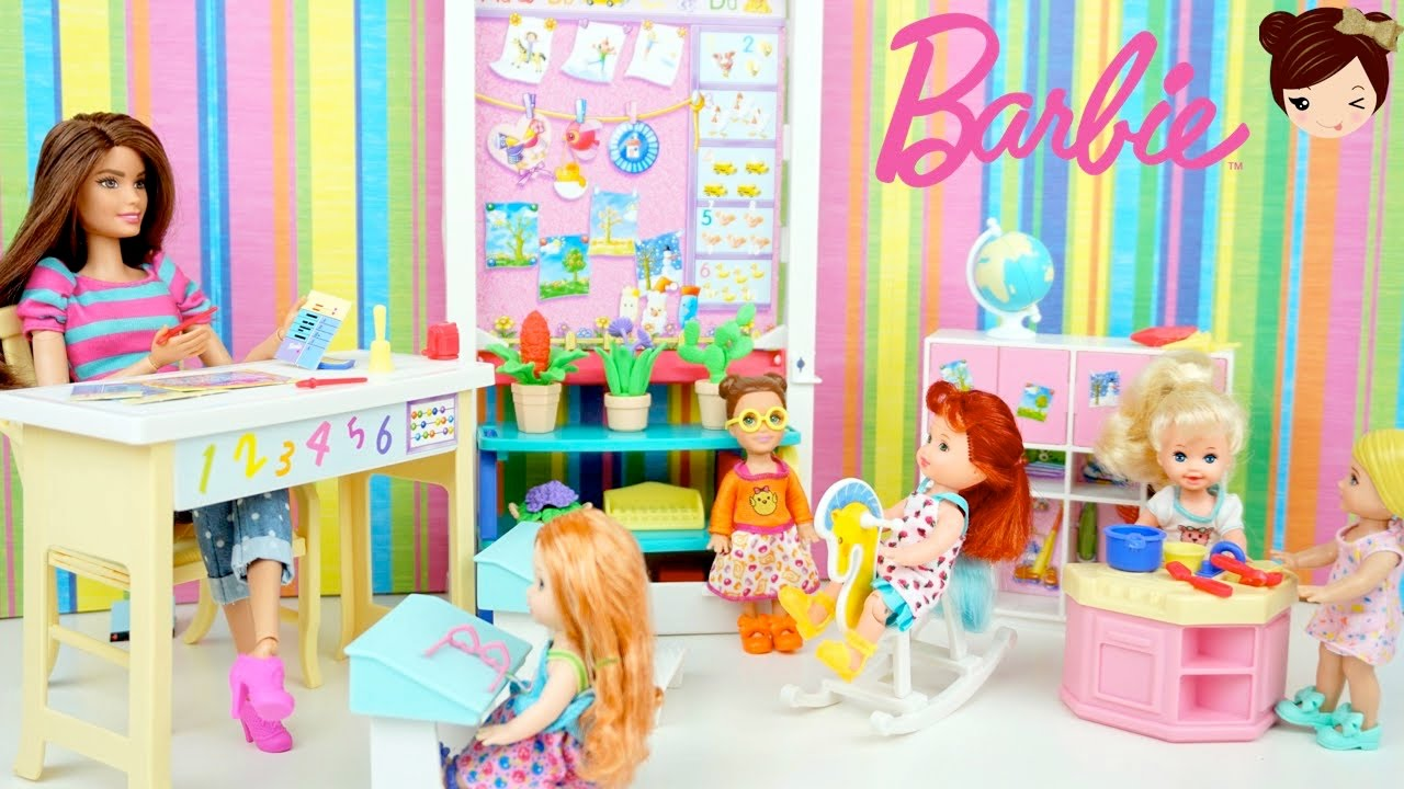 Elsa anna babies go to preschool barbie day care to doovi for Kitchen set toys r us philippines