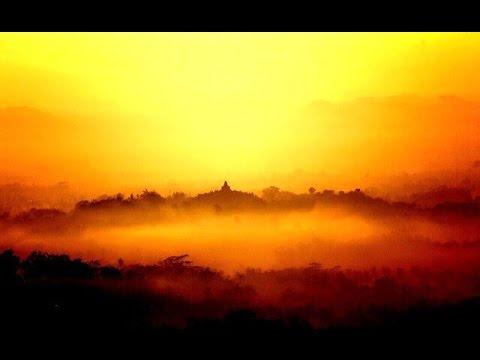 beautiful-sunrise---nirwana-punthuk-setumbu-borobudur-[hd]