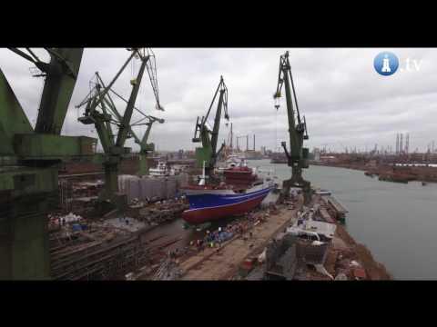 Wodowanie Trawlera VOYAGER  W Stoczni Nauta W Gdańsku