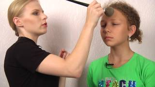 Магия перевоплощения (видео-урок по детскому макияжу)(Это видео-урок для детей и их родителей, в котором показана разница между детским макияжем и взрослым! Кроме..., 2013-08-16T10:16:40.000Z)
