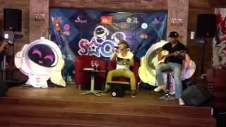 Ung Hoang Phuc ft. Guitarist Anh Kiệt - Bước Qua Thế Giới (Stepping Across This World) Live
