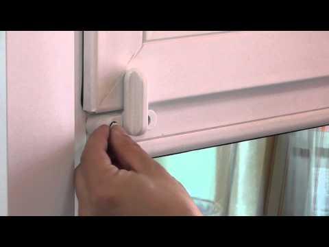 Защита от детей на окна: замки и блокираторы, которые помогут спасти ребенку жизнь