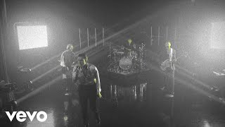 Download Lagu 5 Seconds of Summer - Teeth Live From The Late Late Show With James MP3