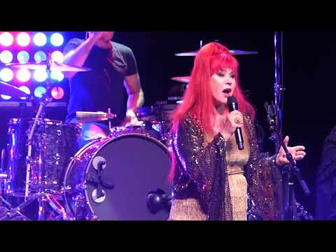 B-52s - Your Own Private Idaho - Orlando 2018 - HD
