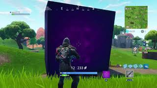 I get crushed by the cube!! - Fortnite Royal Battle