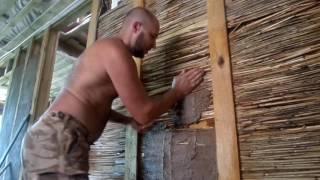 видео Крыша из камыша своими руками: технология изготовления, как сделать камышовую кровлю самостоятельно