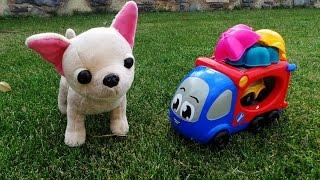 Умная собачка Чичи. Машинки Автовоз и Лютик играют в сыщиков с Чи Чи Лав - Chi Chi Love