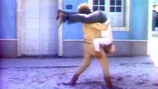 Os Trapalhões e o Mágico de Oróz 1984 - Didi e Dedé brigando