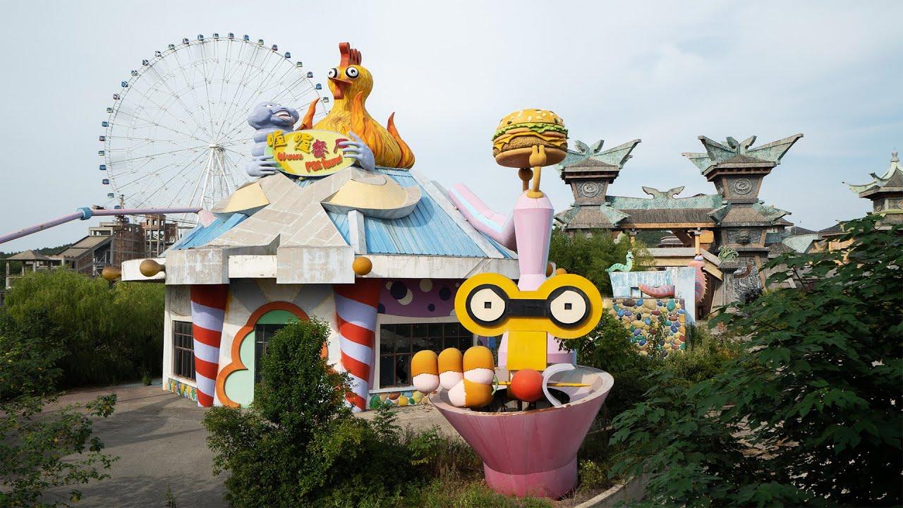 Huge Abandoned Theme Park Exploration - Sino Wonderland