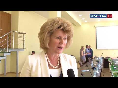 С днем рождения «Смену» поздравляет заместитель Министра образования и науки РФ Ирина Потехина