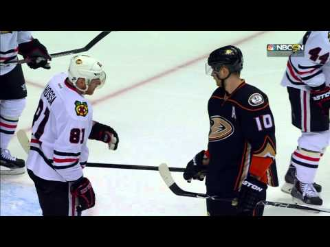 Blackhawks: Positives and Negatives of a Corey Perry Signing