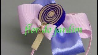 Laço de fita com bombom de feltro -Satin ribbon bow