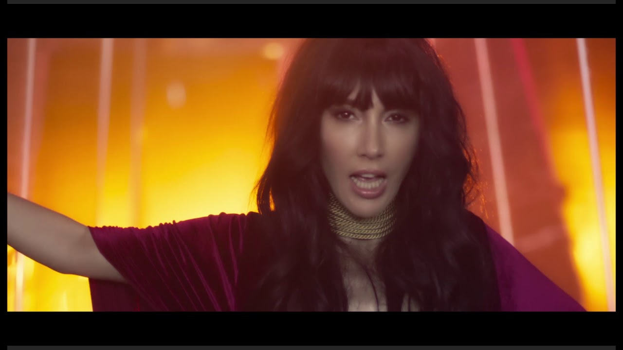 Hande Yener Feat Serdar Ortac Iki Deli Official Video Youtube