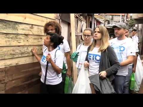 ONG ajuda a construir moradias emergenciais