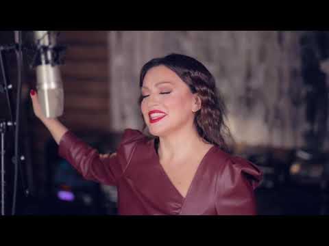Nina Badrić feat. BIG BAND HLK - Dat će nam Bog