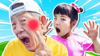 Yuni and Grandpa at the playground Boo Boo story song 놀이터 뽀로로 짜장면 바람개비사탕 츄파츕스- Romiyu Vlog