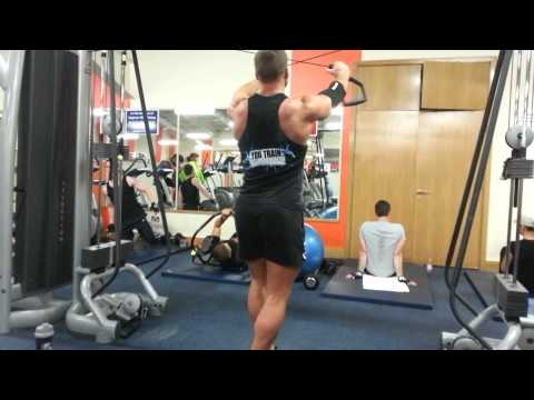 Cable Grip - Upper Back  @ Benn Dunne Gym Northwood Dublin