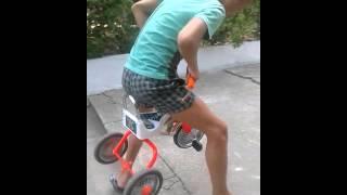 видео Как нам всем впасть в детство?