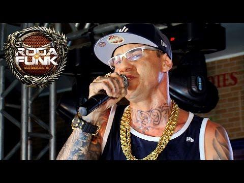 MC Danilo Boladão - Feat. MC Kaká :: Ao vivo na Roda de Funk :: Full HD