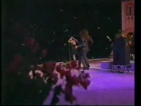 Toy Soldiers - Martika - Live 1989 Spanish Version