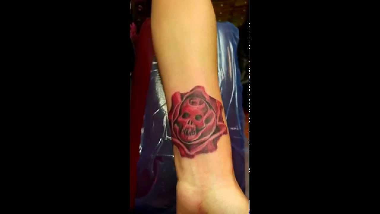 Gears of war tattoo - YouTube