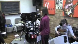 René Schols geeft Workshop Popmuziek aan klas 3ZW2 van het DaCapo College