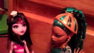A Short Monster High Doll Movie 30 (Nefera attack!!!)