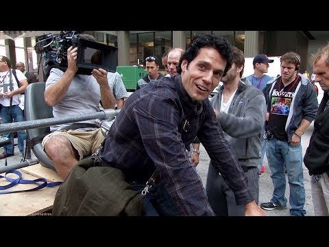 Zack Snyder creating 'Man of Steel' Featurette [+Subtitles]