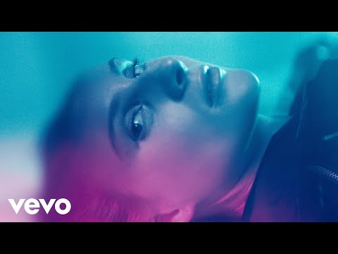 Vera Blue - Lady Powers (Official Video) ft. Kodie Shane