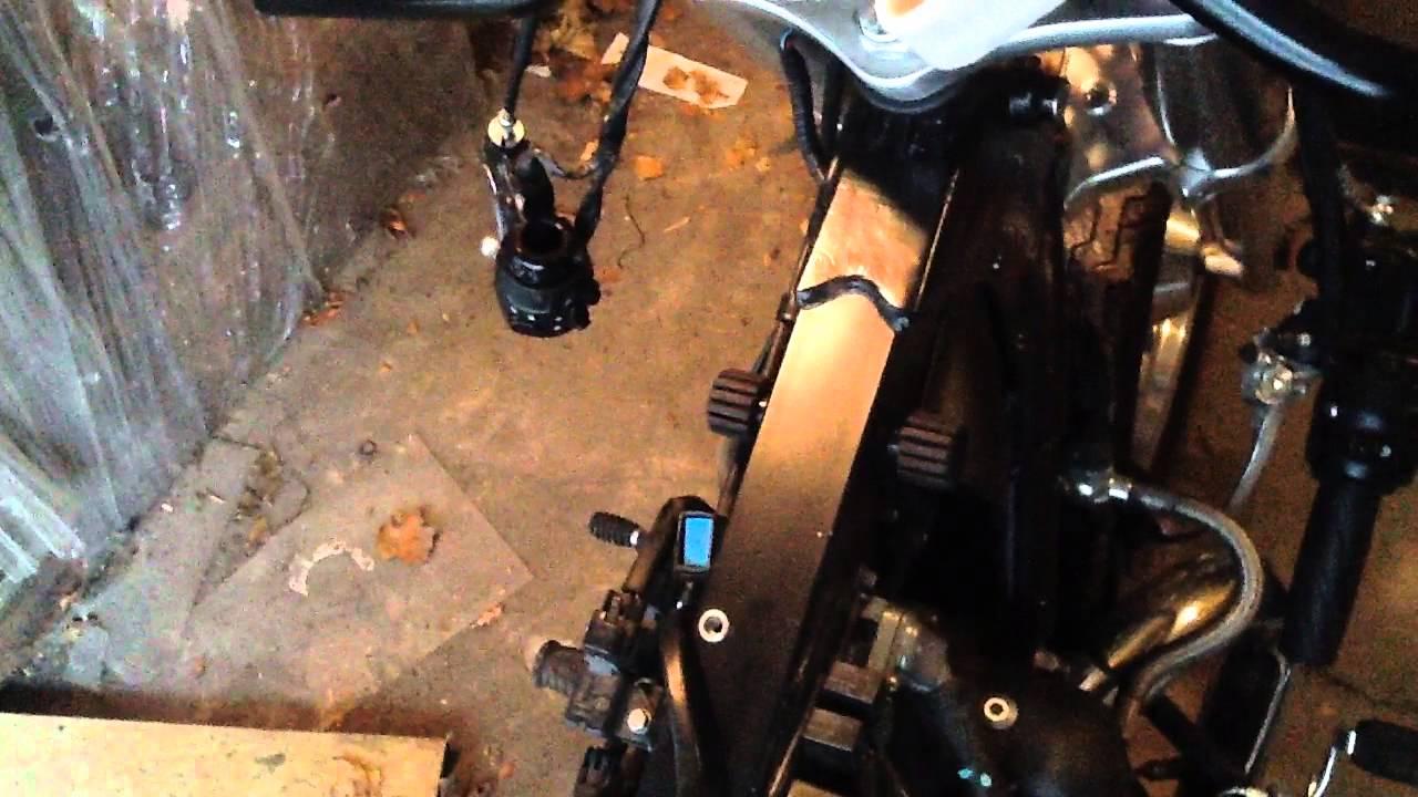 Triumph America Efi Bonneville Thruxton Tank Swap Youtube