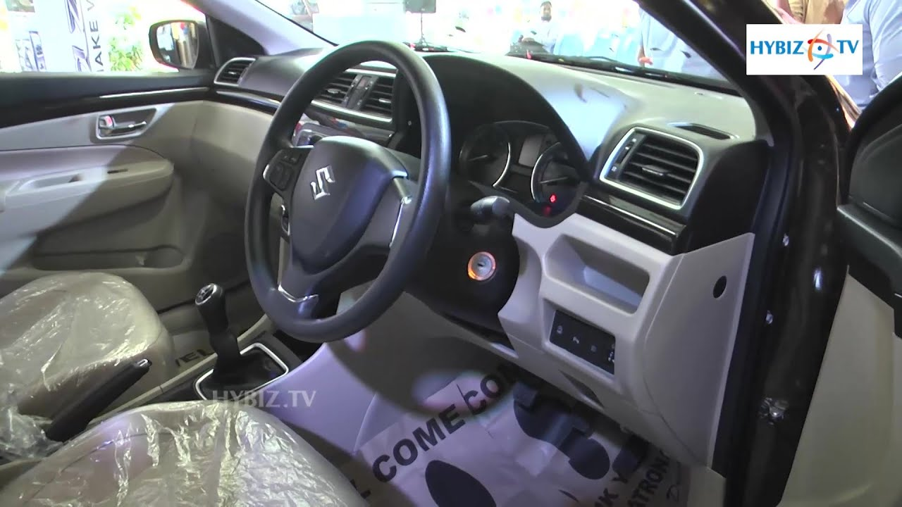 smart hybrid maruti ciaz interior and review youtube. Black Bedroom Furniture Sets. Home Design Ideas
