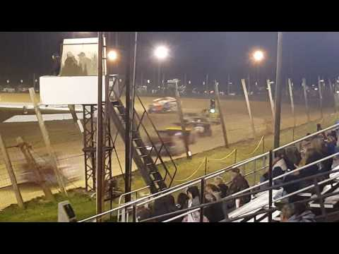 Delaware International Speedway the 40Lap Mod. Race on 4/2/2017 1st 10laps
