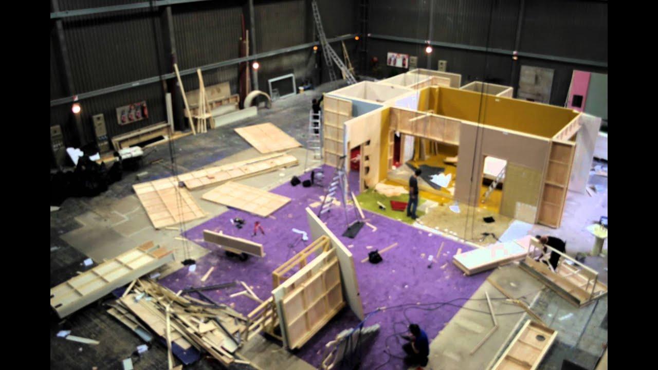 Demontage d 39 un decor de cinema youtube - Home cinema decorating ideas design ...