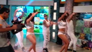 Grupo Latinos - Osmany Garcia fiesta flotando