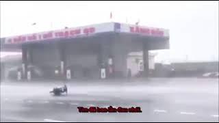 Em gái mưa!!! Chế mưa bão số 10 ở miền trung
