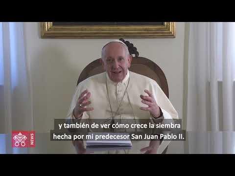 El papa inicia su visita a África en Mozambique