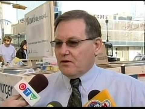 CKCK 11:30pm News, October 13, 2004