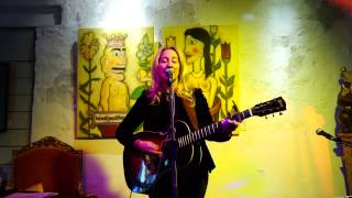 AMY SPEACE  -  LEFT ME HANGING      LIVE