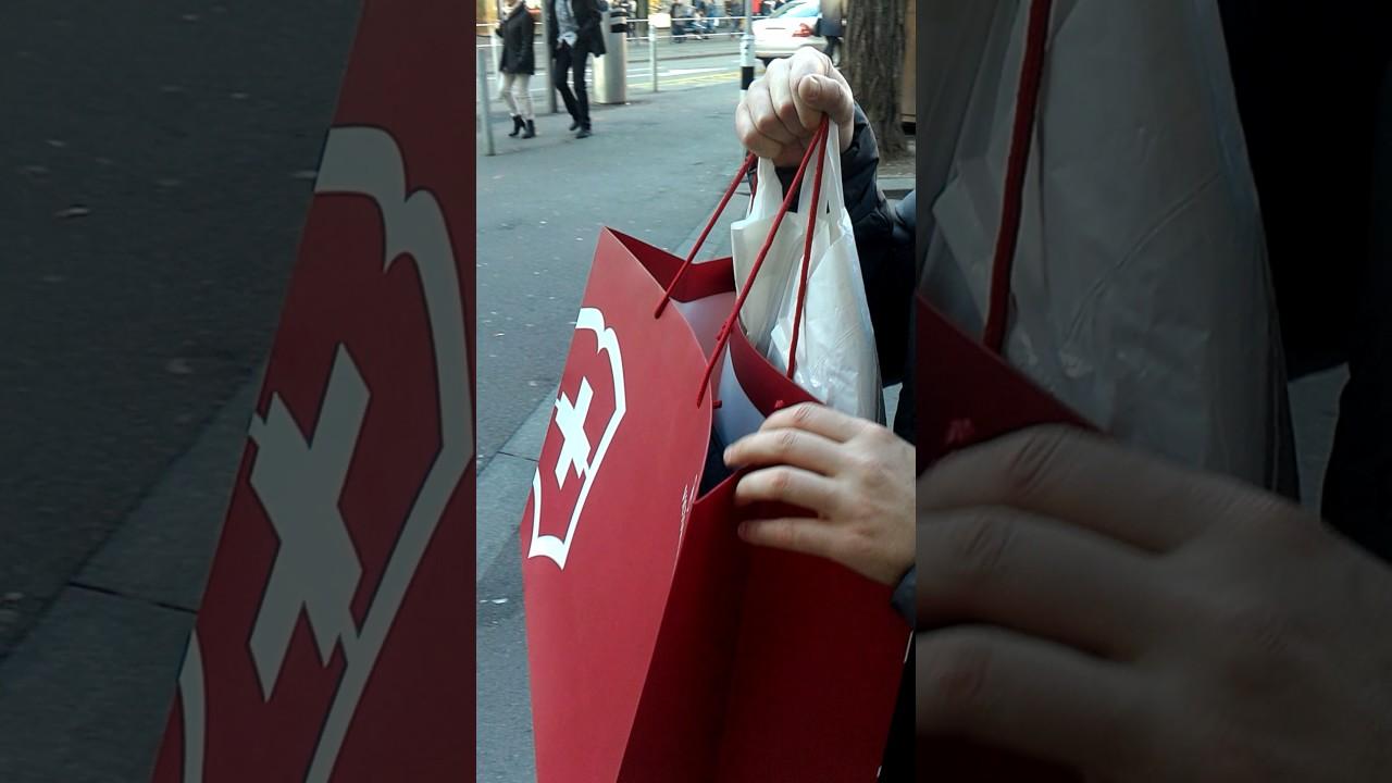45457cf1ed2 Missão compras em Zurique - Pedrinho - YouTube