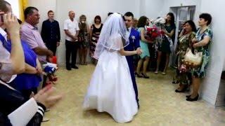 Свадьба ЗАГС Ленинского района Красноярск 5 июня 2015 г. ( видеограф Александр т. 8-923-285-00-69 )