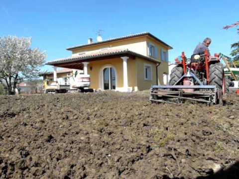 Pr paration du terrain youtube - Preparer son terrain avant pelouse ...