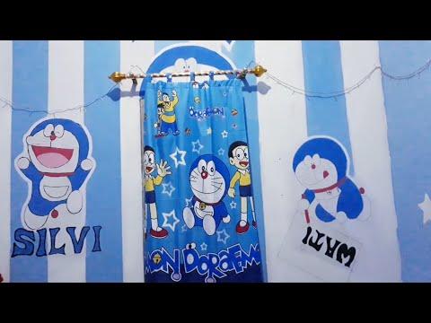 Menghias Kamar Tidur Serba Gambar Doraemon Dengan Lampu Hias