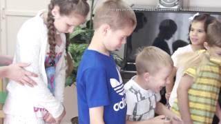 видео: Медовый спас в детском доме.