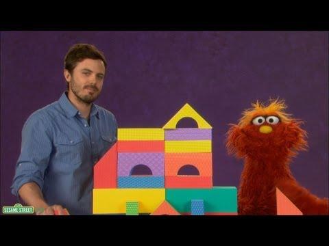 Sesame Street: Casey Affleck and Murray  Careful