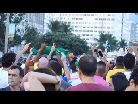 Girls Giving Lap Dances inside a Strip ClubKaynak: YouTube · Süre: 6 dakika52 saniye