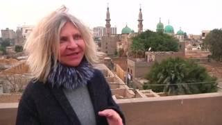 أعمال فنية معاصرة تضفي حياة على منطقة مقابر بالقاهرة