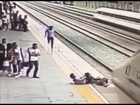 Railway Worker Saves Suicidal Woman just as Train Approaches